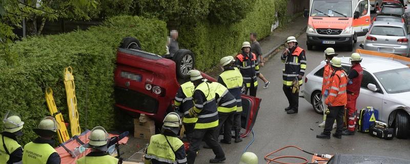 Spektakulärer Verkehrsunfall, © Foto der Berufsfeuerwehr München