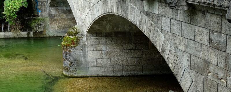 Eine Brücke über die Isar in München, © Brücke über die Isar - Foto: Agnes aus München