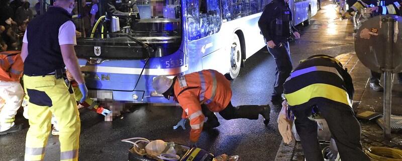 Unfall auf dem Wiesn-Heimweg Oktoberfest 2015 - Rettungseinsatz, © Foto der Berufsfeuerwehr München
