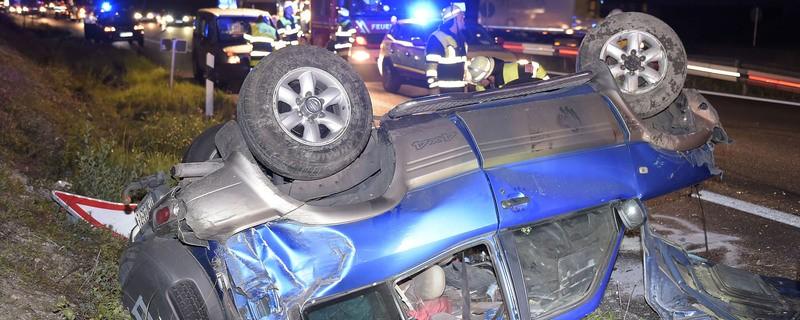 Unfall Auto nach Überschlag auf der A99 Eschenrieder Spange, © Foto der Berufsfeuerwehr München