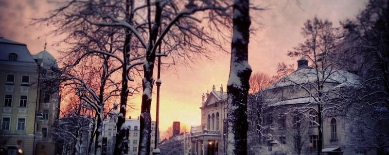 München verschneit im Winter