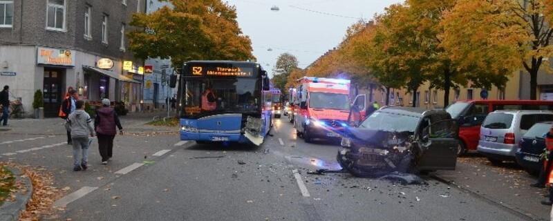 Unfallfoto München - Kollision nach Niesanfall, © Foto: Polizei München