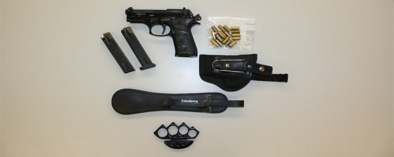Waffen Schlagring Pistole Munition, © Die beschlagnahmten Waffen - Foto: Polizei
