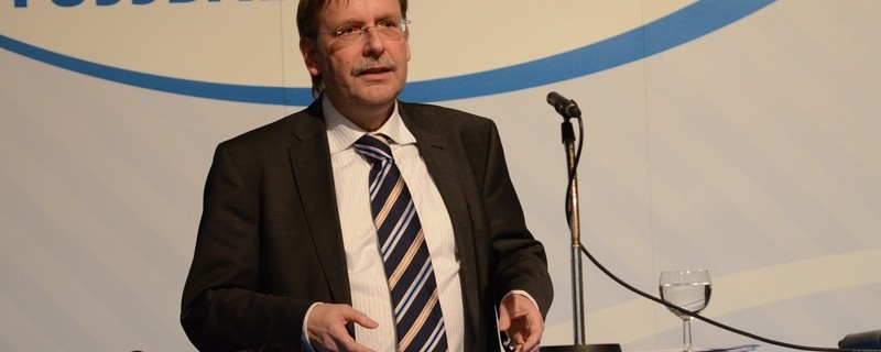 Koch redet als Präsident des Bayerischen Fußball Verbands, © Foto: BFV