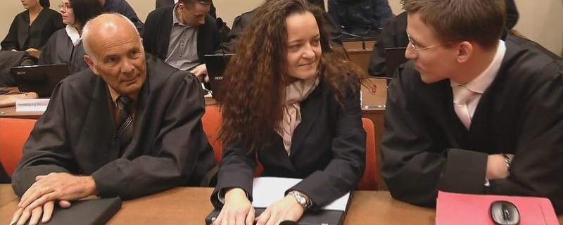 Beate Zschäpe im Gericht, © Nach Aussage von Beate Zschäpe erste Raktionen der Opferangehörigen