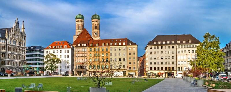 Marienhof in München bei gutem Wetter