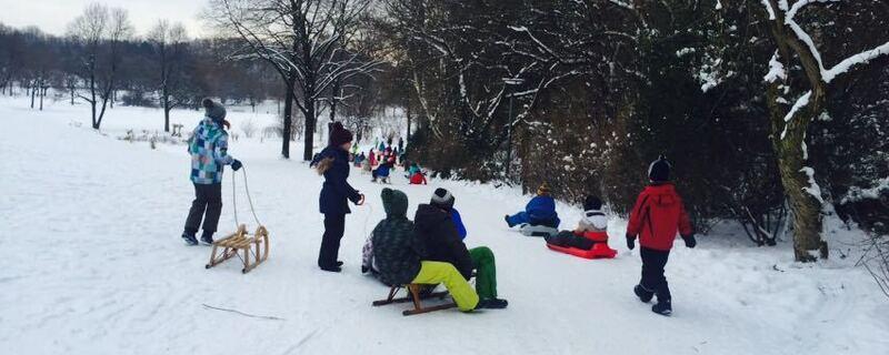 kinder im schnee mit schlitten, © Kinder im Westpark