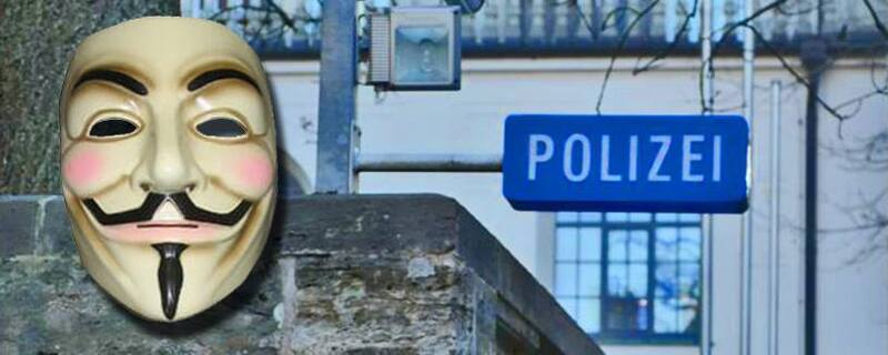 """anonymus maske polizei, © Die Täter waren unter anderem mit """"Anonymus Masken"""" unterwegs."""