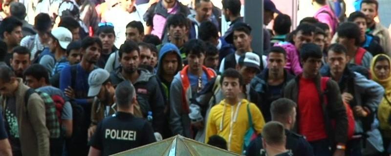 ankommende Flüchtlinge an der Bayerischen Grenze