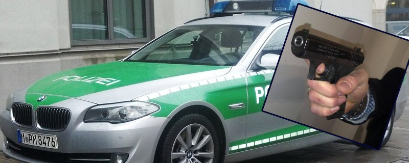 Waffe Schuss Polizeiauto, © Symbolbild.
