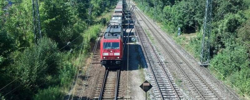 Ein Zug auf der Strecke nach München