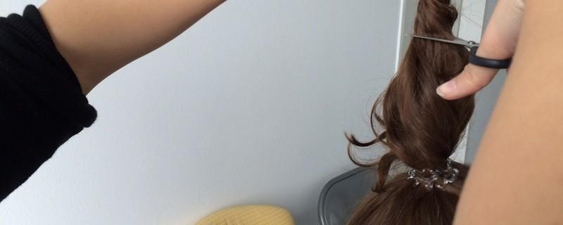 © Ungewünschter Haarschnitt sorgt für Eskalation in einem Friseursalon. Symbolbild