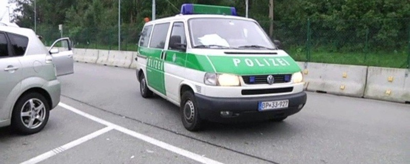 Landespolizei auf Einsatzfahrt