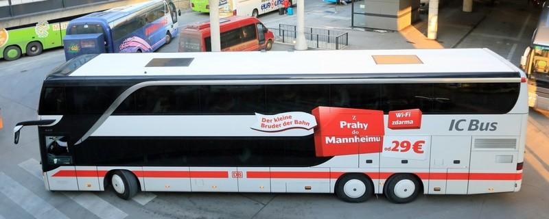 DB IC Bus München -- Prag am Beginn seiner Reise in München im Zentralen Omnibusbahnhof (ZOB)., © Copyright: Deutsche Bahn AG (Uwe Miethe)