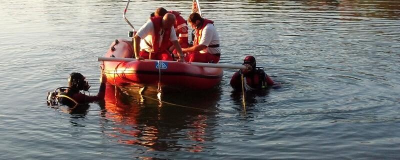 Die Taucher der Wasserwacht in einem Rettungseinsatz, © Symbolfoto - Die Taucher der Wasserwacht im Einsatz