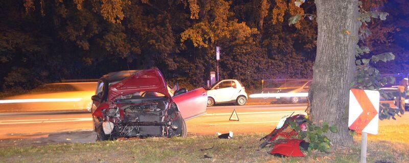 Lehel, Unfall, verletzt, Autounfall, Polizei, Schaden, © Zwei Personen wurden verletzt.