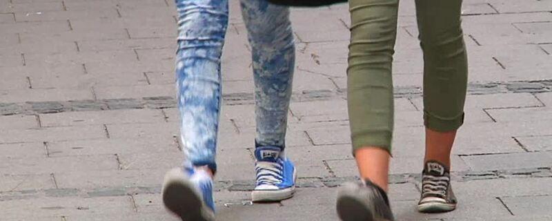 Fußgänger, Schulweghelfer, Straße, München, KVR, © München benötigt mehr Schulweghelfer.