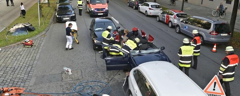 Der Verkehrsunfall in der Prinzregentenstraße., © Foto: Berufsfeuerwehr München