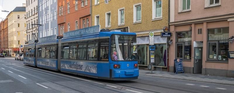 Eine Tram (Straßenbahn) in München, © Symbolfoto