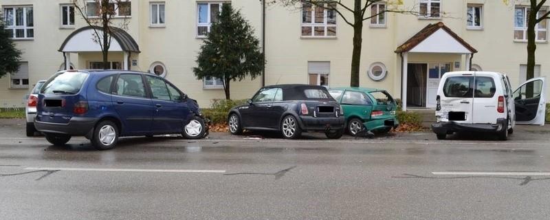 Der Aufschub-Unfall durch einen VW-Golf-Fahrer in Berg am Laim., © Foto: Polizei