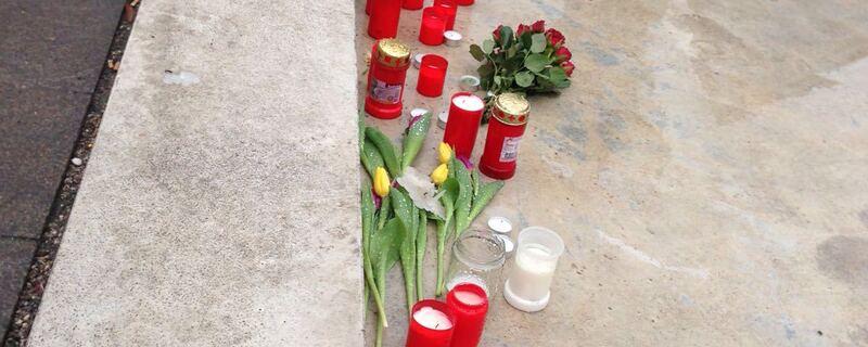 Kerzen aufgestellt Bad Aibling nach Zugunglueck, © Das Zugunglück forderte viele Opfer.