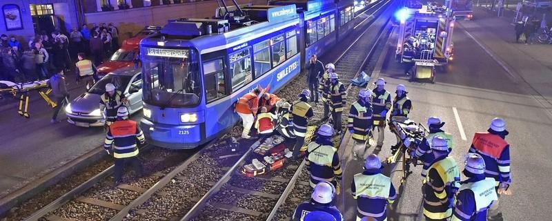 Einsatz nach Trambahnunfall, © Foto: Berufsfeuerwehr München