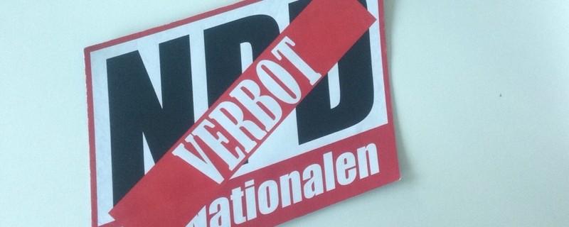 NPD Verbotsschild, © NPD Verbot von Bundesverfassungsgreicht abgelehnt