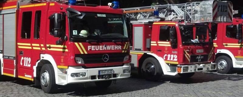 Feuerwehr im Einsatz, © Großbrand in Lagerhalle