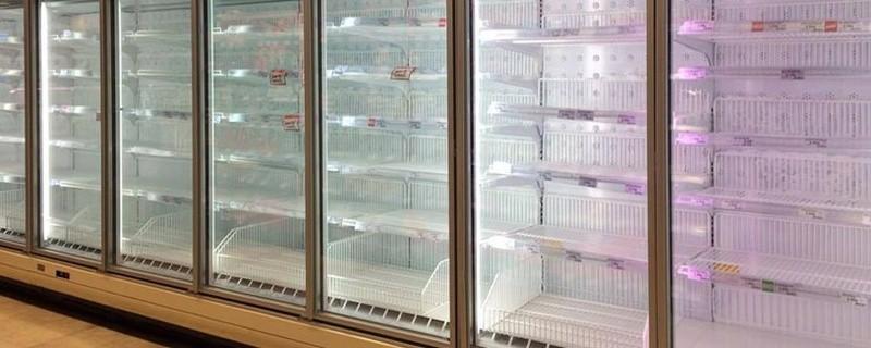 Geleertes Regal im Supermarkt, © Symbolfoto