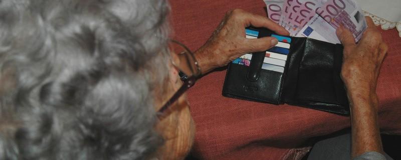 Enkeltrickbetrug, Geld, ältere Menschen, © Symbolbild.