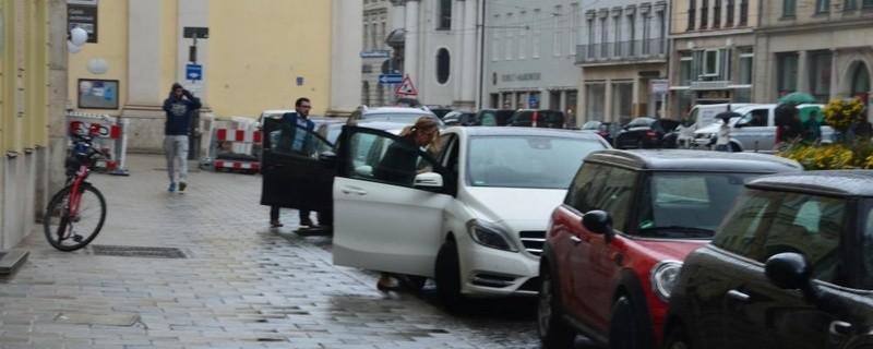 Parkende Autos München, © Foto: Symbolbild