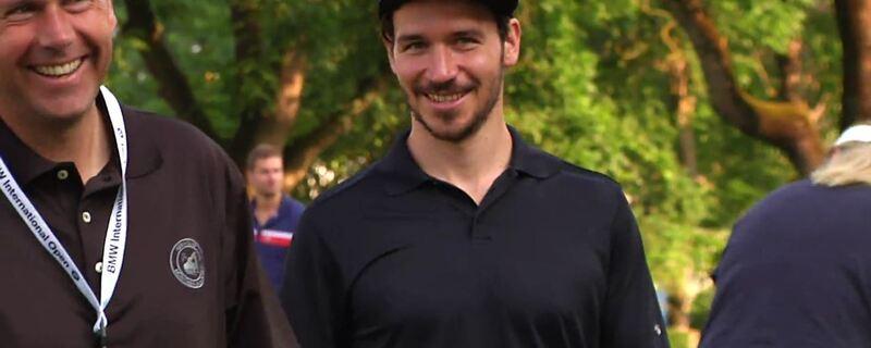 Felix Neureuther trainiert schon mitten im August auf Skiern