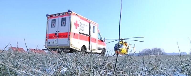 Ein Rettungswagen und ein Rettungshubschrauber, © Symbolfoto
