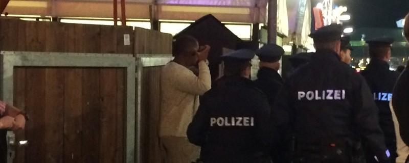 Wiesn: Polizeistreife auf dem Münchner Oktoberfest