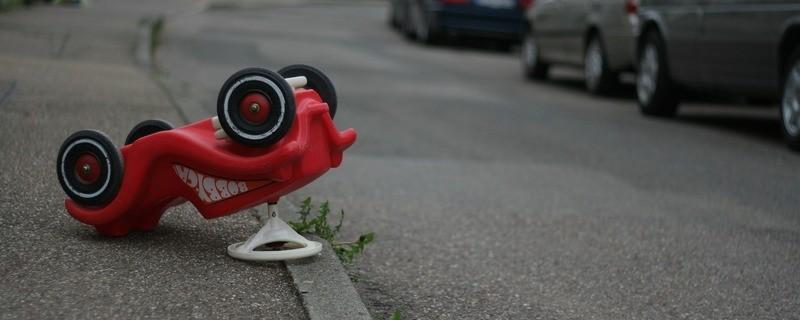 Unfall Bobbycar Straße Polizei, © Symbolfoto
