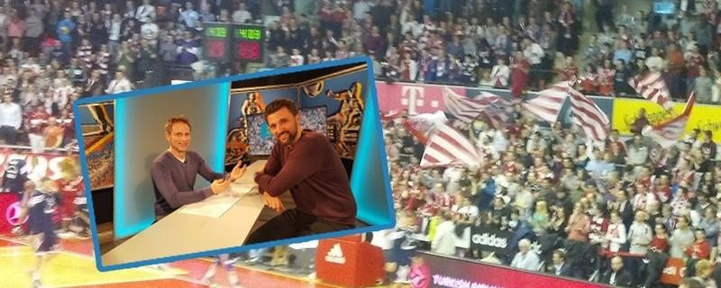© Daniel Stock mit dem FC Bayern Basketball Sport-Geschäftsführer Marko Pesic