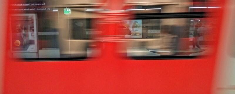 Eine fahrende S-Bahn