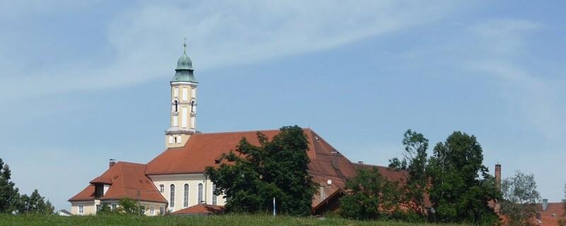 Das Kloster Reutberg in Oberbayern (Landkreis Bad Tölz-Wolfratshausen)