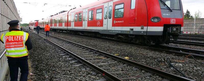 Münchner S-Bahn muss auf Strecke halten wegen Unfall, © Symbolfoto