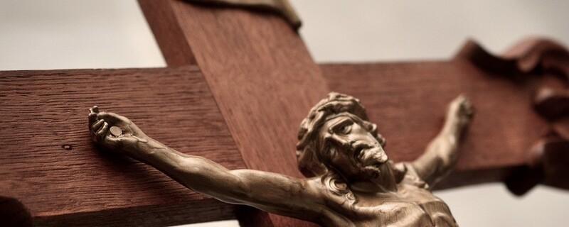 Christus-Kreuz