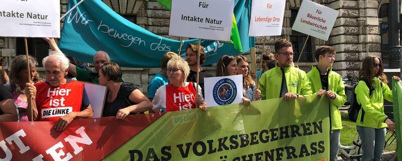Demonstration vor dem Verfassungsgericht München