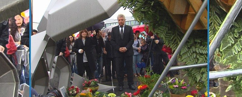 Münchens Oberbürgermeister Dieter Reiter gedenkt der Opfer des Münchner AMoklaufs am OEZ (2. Jahrestag)