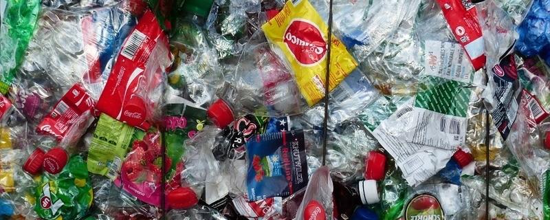 Ein Berg an Plastik-Verpackungen