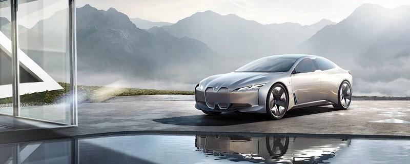Der BMW i4