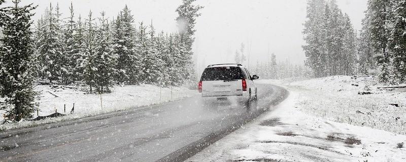Schnee auf den Straßen in der Region, © Symbolfoto