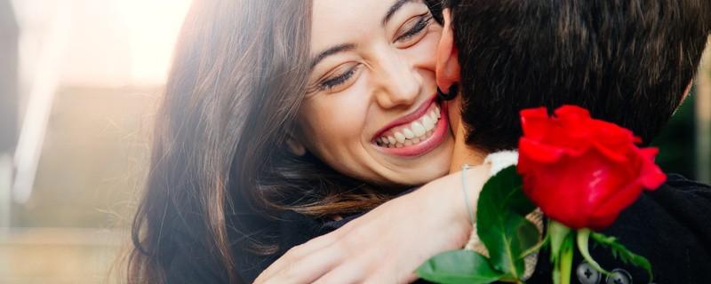 © Blumen gehören zu den beliebtesten Geschenken zum Valentinstag. © asife fotolia.com