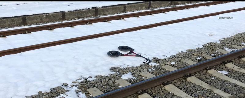 Zug erfasst Rollator, © Bundespolizei
