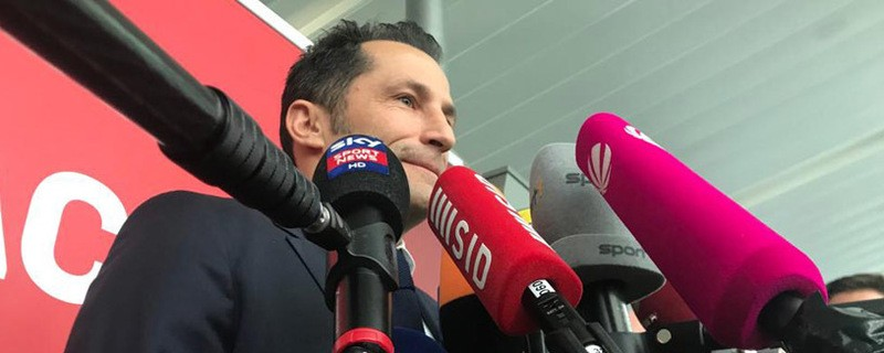 © Sportdirektor Hasan Salihamidžić vor dem Abflug der Bayern