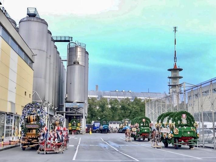 Kutsche vor der Brauerei für Einzug der Wirte - Oktoberfest 2018