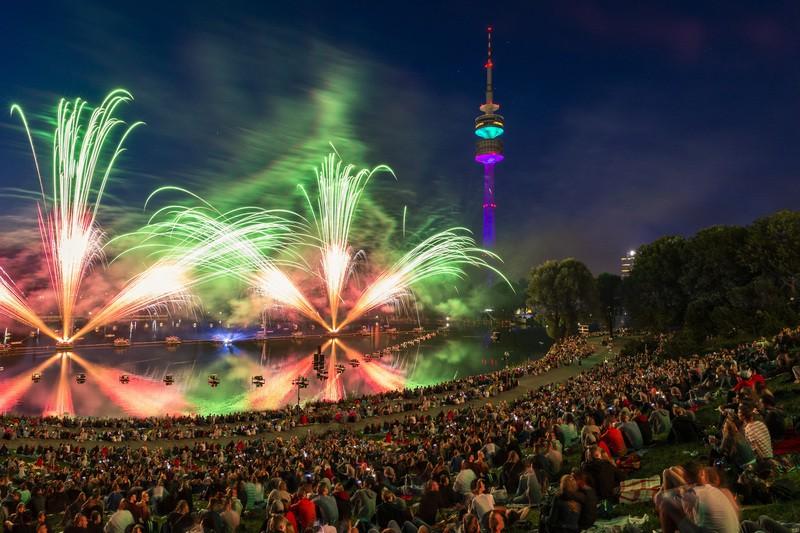 © Sommernachtstraum - Feuerwerk